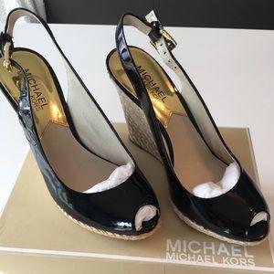 Micheal Kors Brand NEW peep toe sandal!